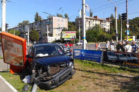В Краматорске произошло очередное ДТП с участием военных (ФОТО) (фото) - фото 1