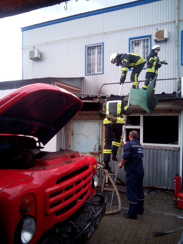 Пятница 13: в Краматорске на рынке сгорела чебуречная, фото-1