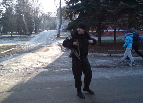 В центре Краматорска неизвестные установили гранату (ФОТО) (фото) - фото 2