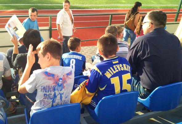 Матч звезд футбола в Краматорске между «Шахтером» и «Динамо» завершился победой киевлян (ФОТО) (фото) - фото 3