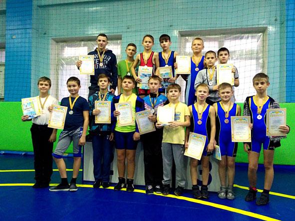 Краматорские борцы достойно представили город  на детском турнире: 5 золотых медалей и еще 11 призовых мест, фото-1