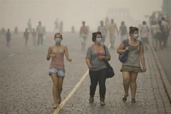 Температура под 40 градусов жары, и 200 тысяч гектаров в 20-ти регионах, которые были объяты пламенем